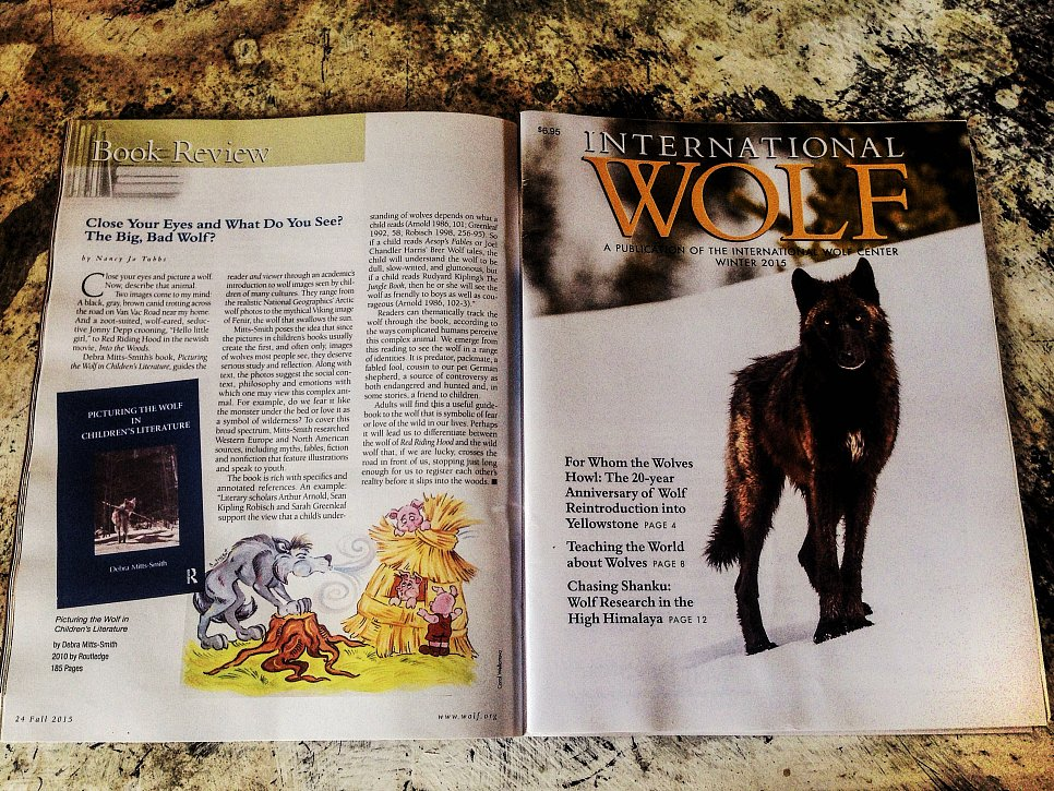 INTERNATIONAL WOLF magazine
